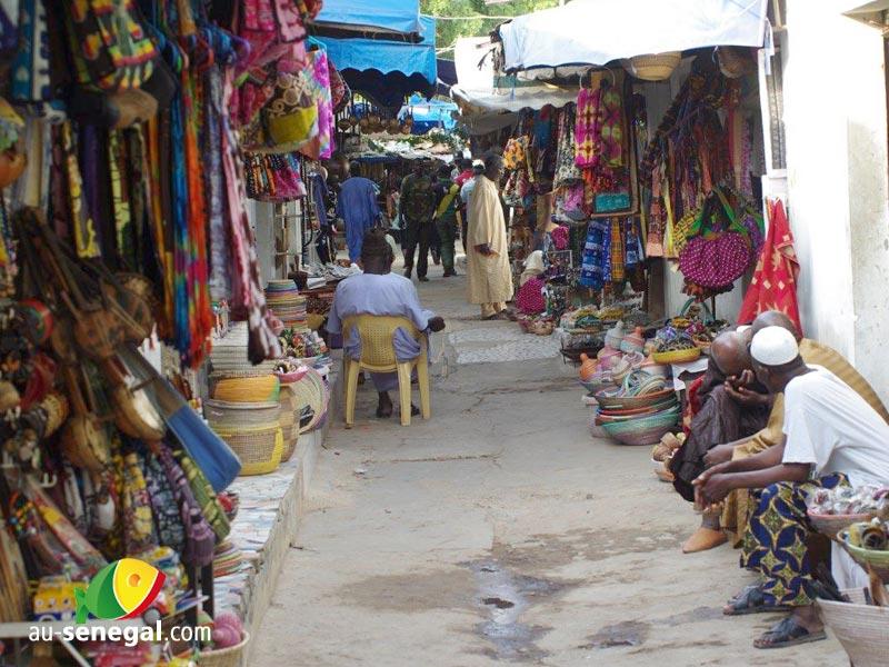 cadeaux et souvenirs pensez au village de soumb dioune On direction artisanat senegal